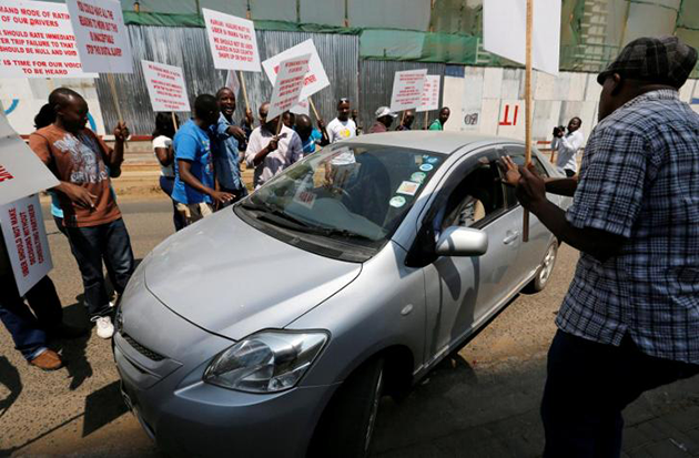 Hundreds of Uber drivers in Kenya go on strike after price cuts – Reuters (image)